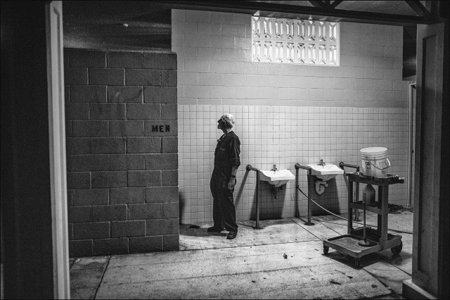 Homeless public restroom closed Waikiki black & white