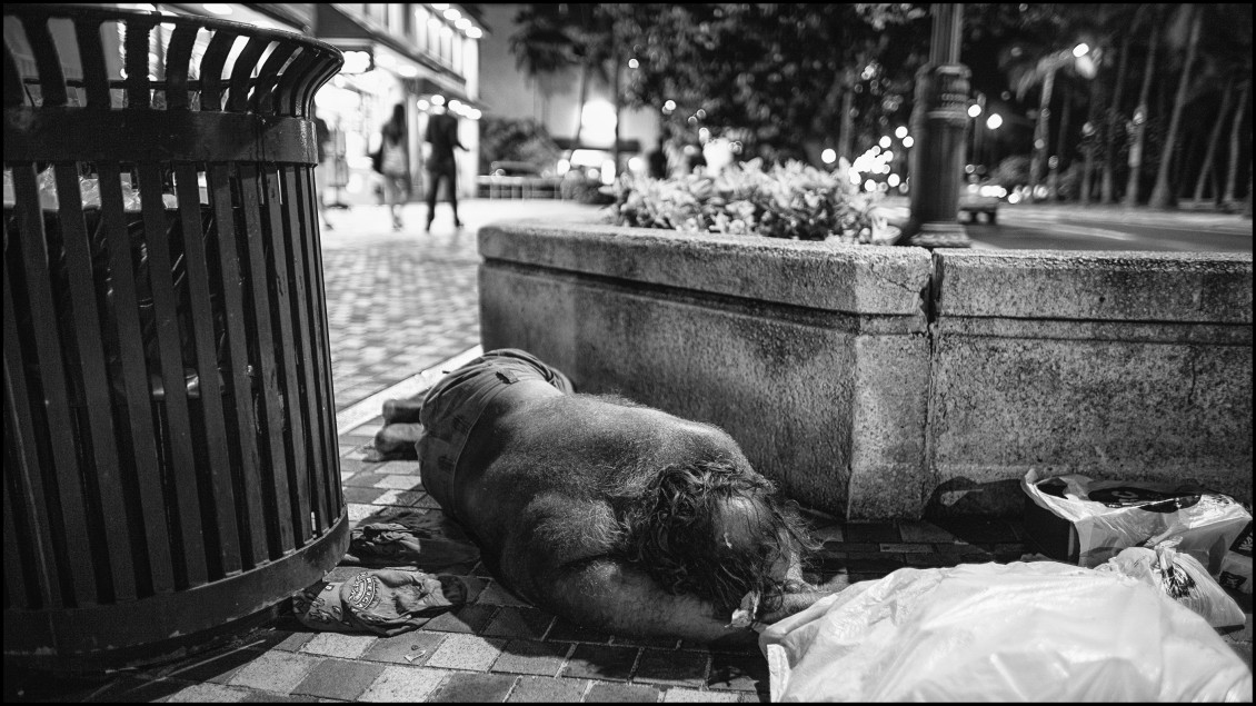 LeadCrop Homeless Waikiki Kalakaua Ave black & white