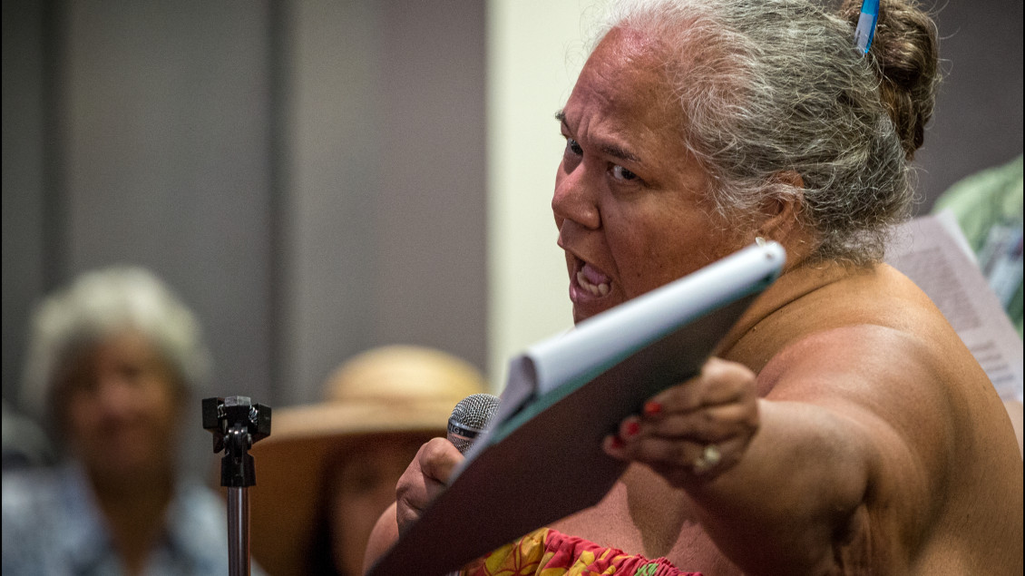 Leona Kalima lets a Department of the Interior panel know her feelings during a public meeting on whether the United States should establish a government-to-government relationship with HawaiiÕs indigenous community held at the Hawaii State Capitol auditorium on June 23, 2014