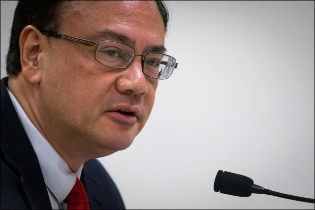 Grassroots Institute of Hawaii President Kelii Akina testifying at the Hawaii Legislature.