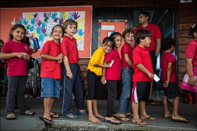 Students at the Hawaiian immersion charter school Nawahiokalaniopuu Iki