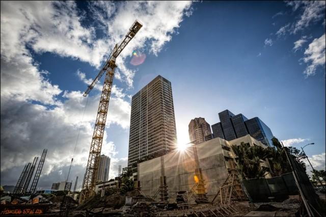 Kakaako Construction Crane HCDA