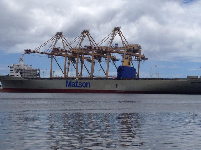Matson ship, Honolulu Harbor