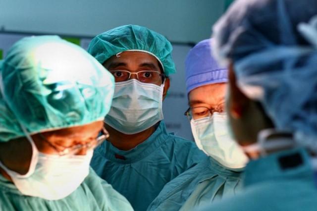 doctors surgeon medical