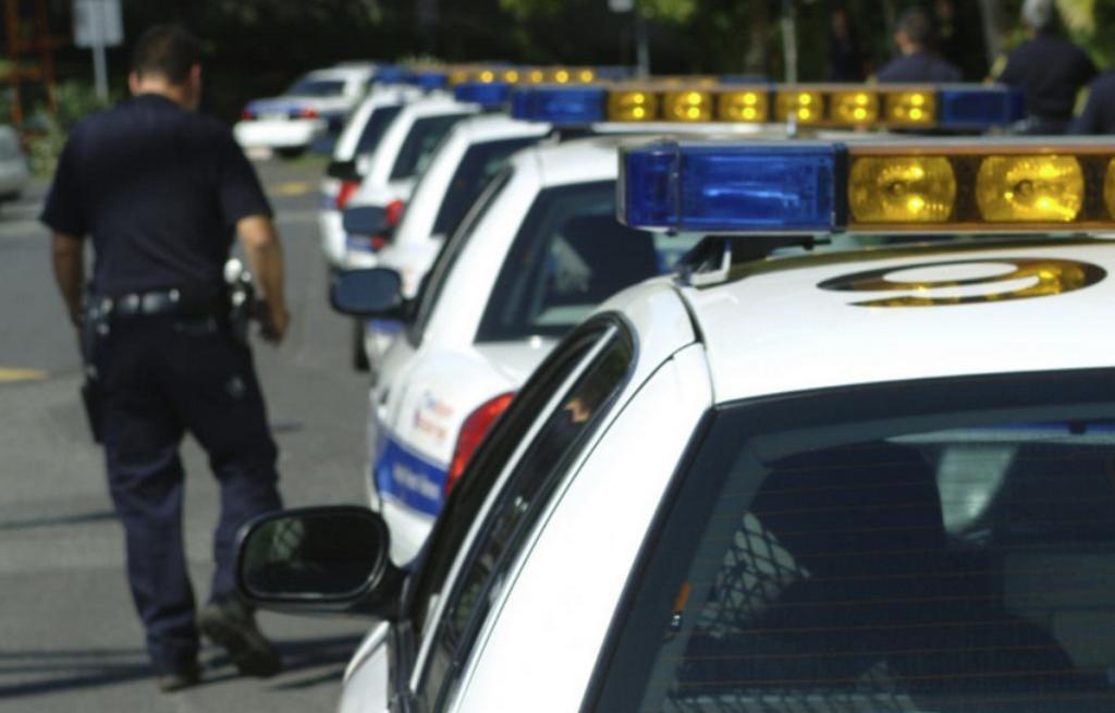 Honolulu police car line