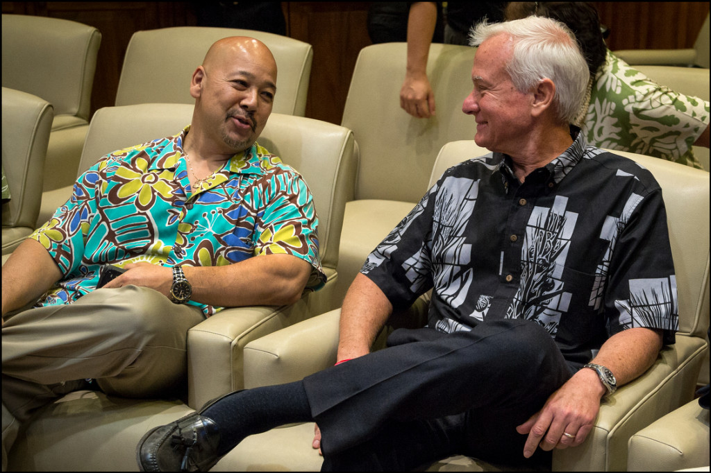 City Council Chairman Ernie Martin speaks with Mayor Caldwell before Gov. Abercrombie news conference on April 17, 2014