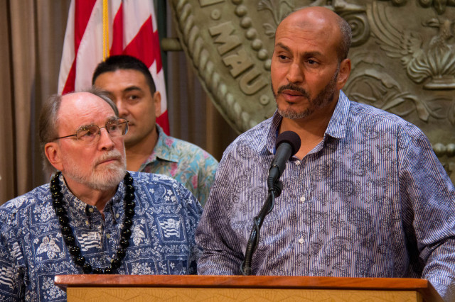 Neil Abercrombie and Hakim Ouansafi, July 11, 2014