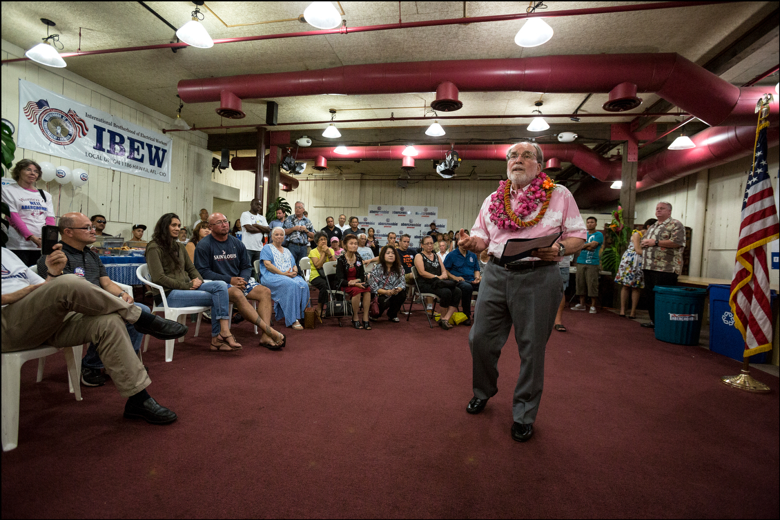The governor, long known as a vibrant and effective campaigner, breaks the news to his campaign staff and supporters — he plans to publicly concede after the 9 p.m. vote count is released.