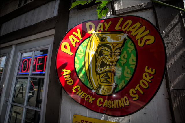 Pay Day Loans sign in Pahoa on August 15, 2014