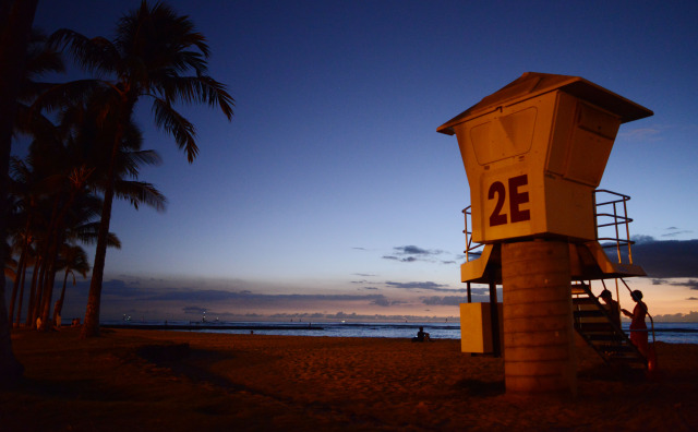 Lifeguard station 2E near Waikiki beach for Nick's Story. 7 november 2014. photograph by Cory Lum.