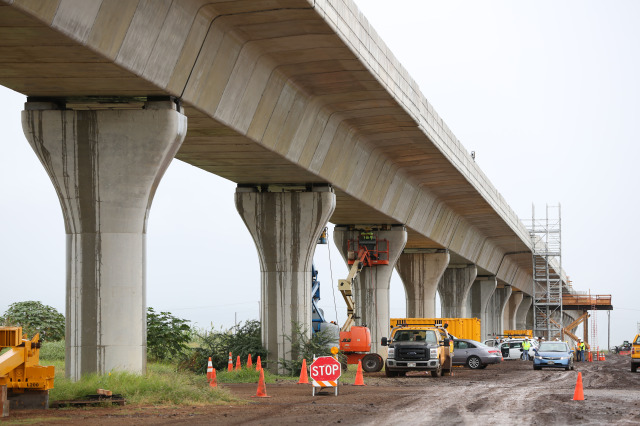 Elevated track near Kapolei built along farm land after over 1 mile of completed yesterday. 3 dec 2014 photograph Cory Lum
