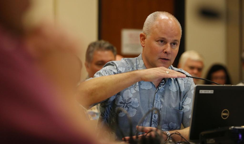 HART CEO Dan Grabauskas speaks to HART Board members during meeting held at Kapolei Hale.  18dec2014. photo Cory Lum