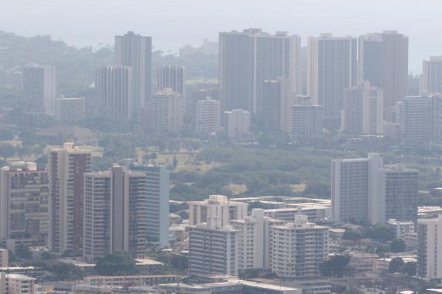 Vog blankets metropolitan Honolulu with view of Waikiki above.  9 dec 2014 . photograph Cory Lum