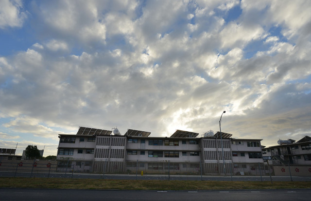 Mayor Wright Public Housing located near Vineyard Honolulu, Hawaii.  31 jan 2015. photograph Cory Lum/Civil Beat