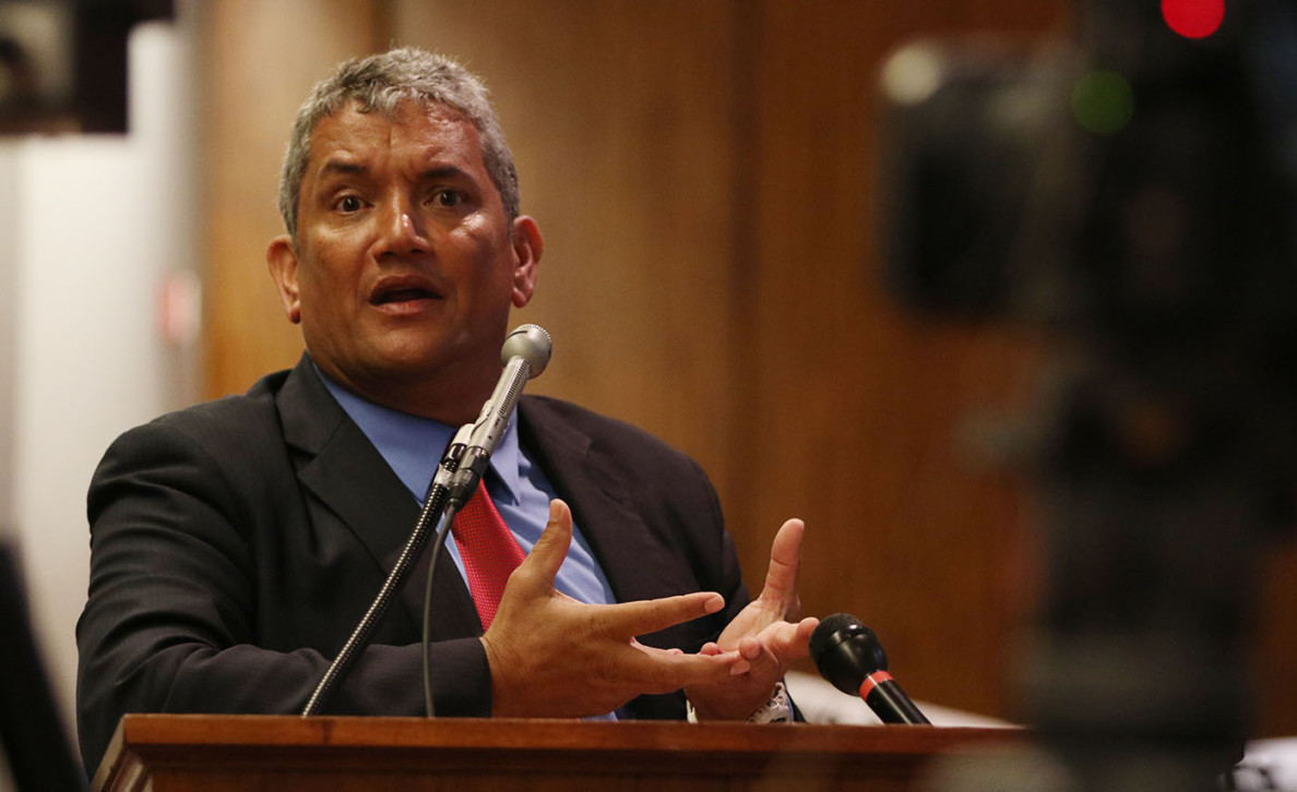 Hawaii County Mayor Billy Kenoi speaks to legislators in support of a proposed 1 percent GET surcharge to support county governments on the neighboring islands.
