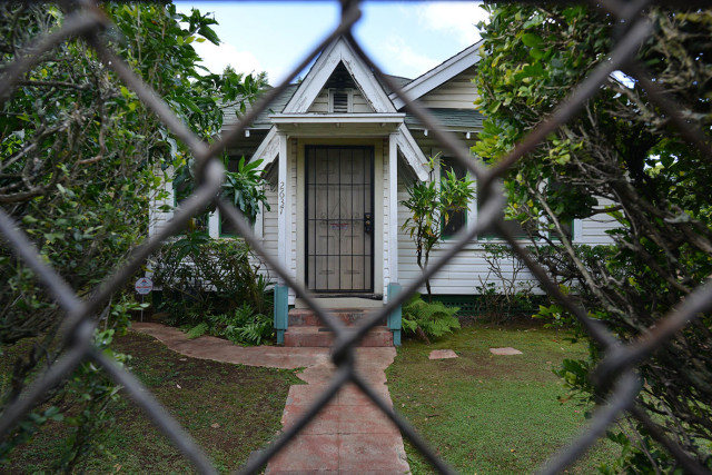 2637 East Manoa Road honolulu real estate . 4 feb 2015. photograph Cory Lum/Civil Beat