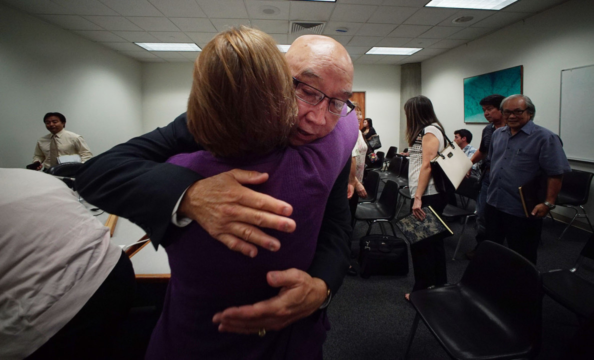 The nomination of Randy Iwase to be chairman of the Public Utilities Commission sailed smoothly through a hearing Tuesday. He even got a hug from Sen. Roslyn Baker.