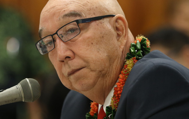Randy Iwase speaks to senators at the Capitol.  17 feb 2015. photograph Cory Lum/Civil Beat
