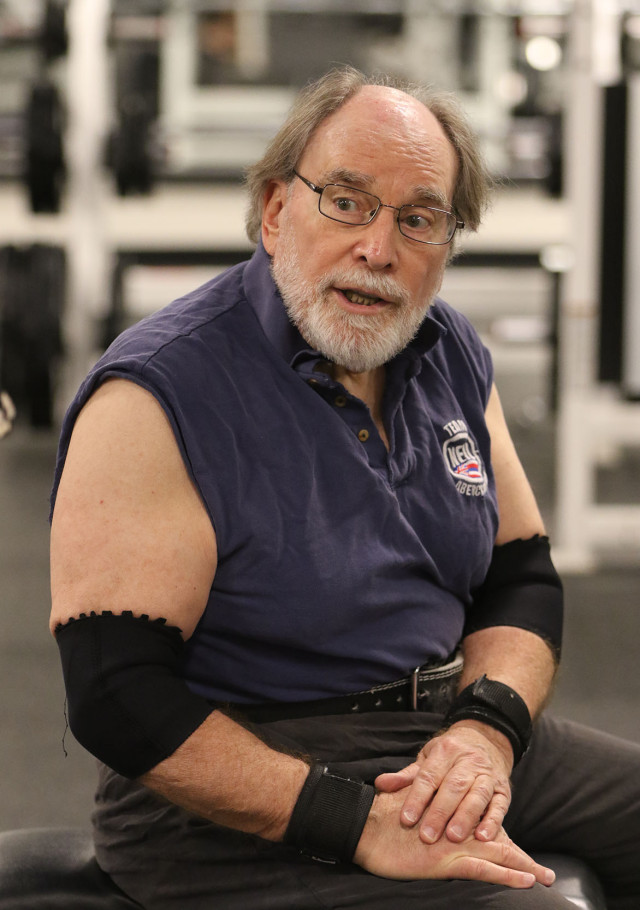 Governor Neil Abercrombie lifts weights during his lifting routine at the Nuuanu YMCA.  17 march 2015. photograph Cory Lum/Civil Beat