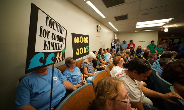 Full house at Malaekahana development hearing at Honolulu Hale, City council meeting.  5 march 2015. photograph Cory Lum/Civil Beat