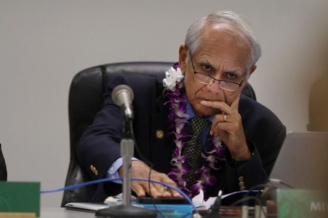 Senator Mike Gabbard during Hawaiian Homelands hearing at the Capitol. 23 march 2015. photograph Cory Lum/Civil Beat