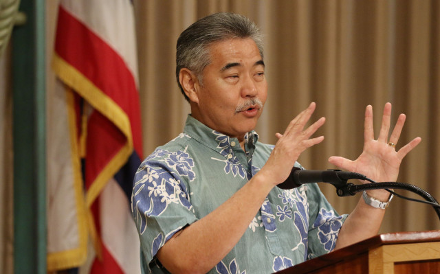 Governor David Ige gestures in second part of press conference detailing telescope issues atop Maunakea. photograph by Cory Lum/Civil Beat