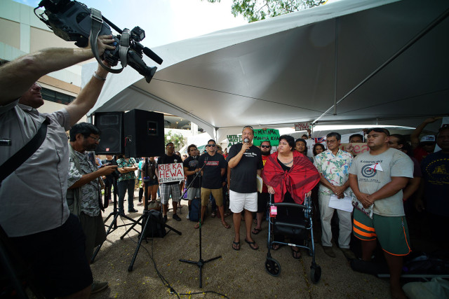Speakers in support of Mauna Kea give press conference fronting the Campus Center at the University of Hawaii at Manoa. 13 april 2015. photograph Cory Lum/Civil Beat