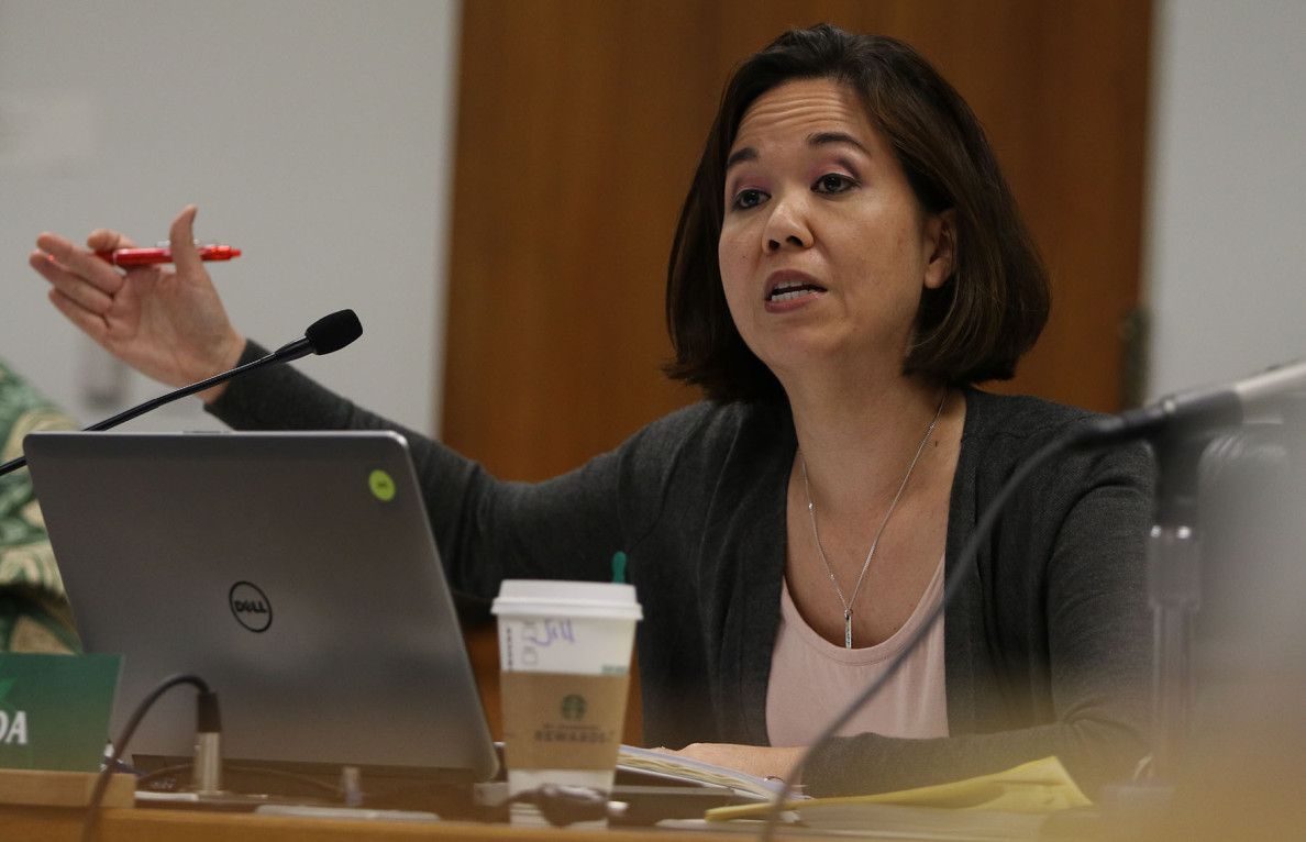 Senate Ways and Means chair Jill Tokuda questions Mayor Kirk Caldwell about blank projected estimates.  7 april 2015. photograph by Cory Lum/Civil Beat