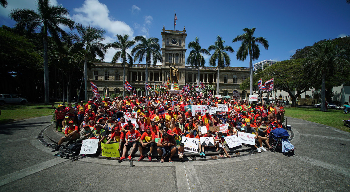 Demonstrators gather for group photo. 21 april 2015. photograph Cory Lum/Civil Beat