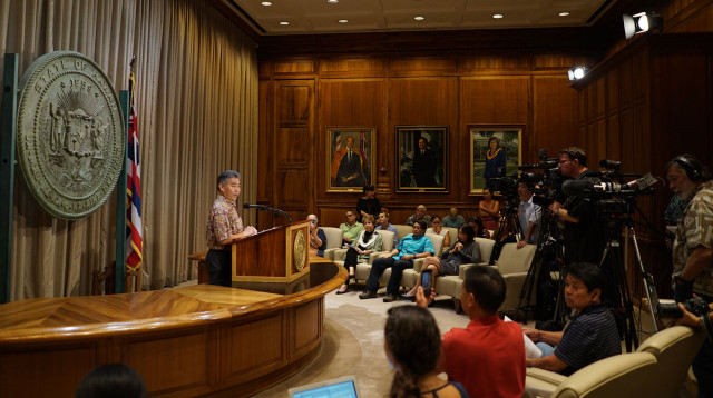 Gov. David Ige gives press conference on TMT and shares 10 points about future of Mauna Kea summit. 26 may 2015. photograph Cory Lum/Civil Beat