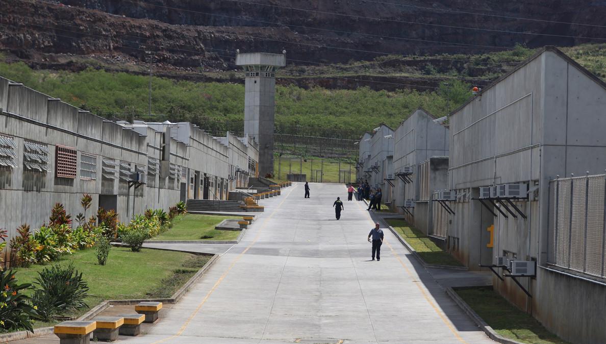'Main Street' of Halawa Prison.  26 may 2015. photograph Cory Lum/Civil Beat
