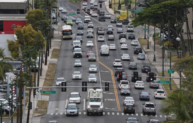 Cars move along Ala Moana Boulevard. Kakaako. 22 may 2015. photograph Cory Lum/Civil Beat