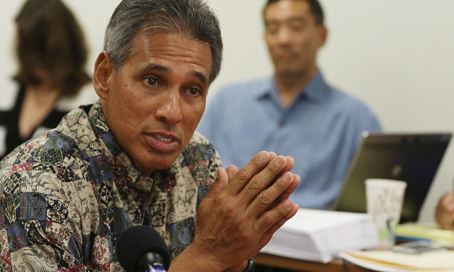 Duke Aiona speaks in support of Hawaii State Ethics Executive Director Les Kondo during meeting. 27 may 2015. photograph Cory Lum/Civil Beat
