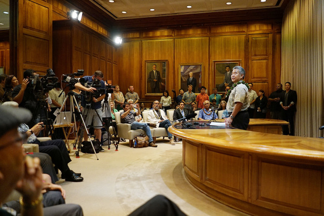 Media and guests fill Governor Ige's office before bill signing of House Bill 623, House Bill 1296, House Bill 1509 and Senate Bill 1050. 8 june 2015. photograph Cory Lum/Civil Beat
