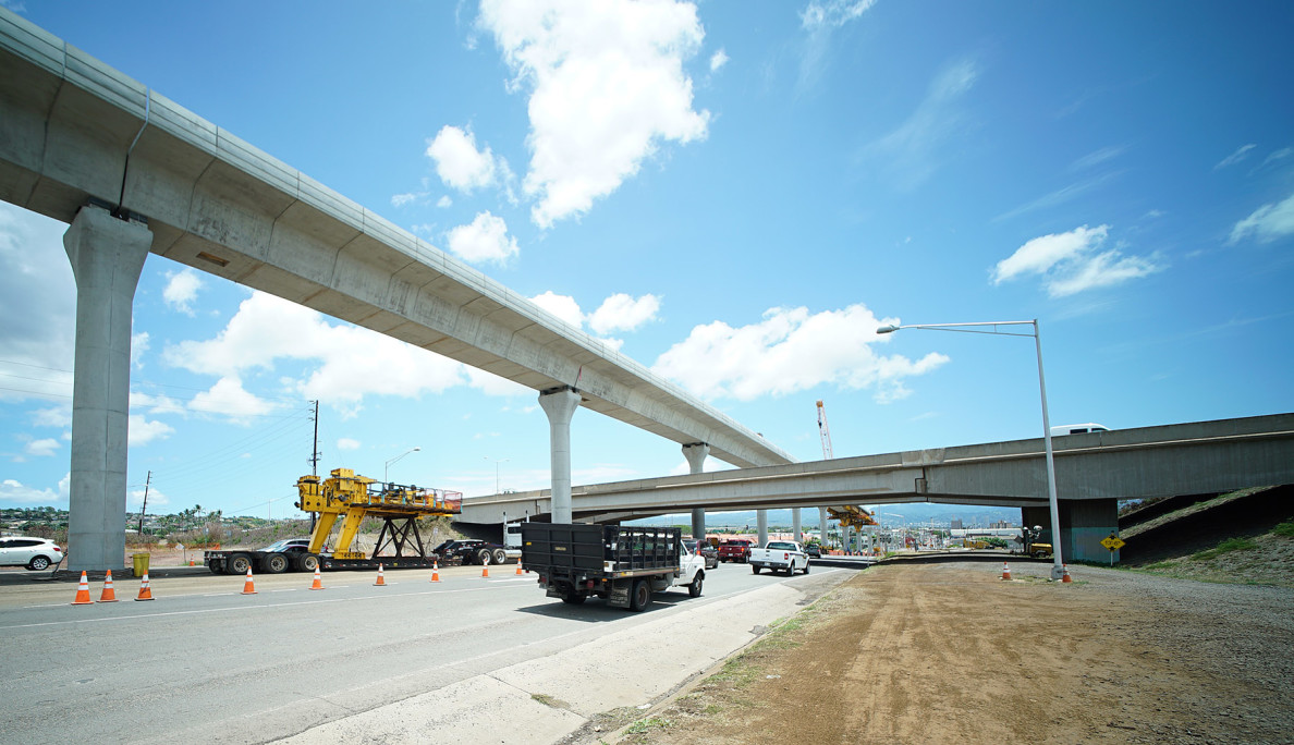 Guideway towers above Farrington Highway. RAIL. 21 july 2015. photograph Cory Lum/Civil Beat