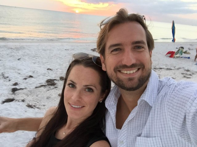 David, with his girlfriend Emily, continues to enjoy the mild weather and coastal life, as here on Siesta Key in Florida.