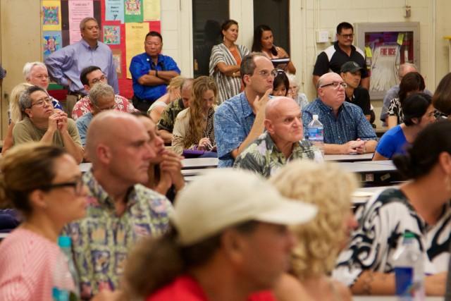 Maui PUC crowd