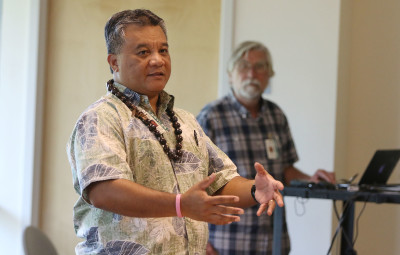 Drs. Sheldon Riklon and Gregory Maskarinec talk about their visit to a Marshallese community in Arkansas, held at the UH medical school in March 2015.