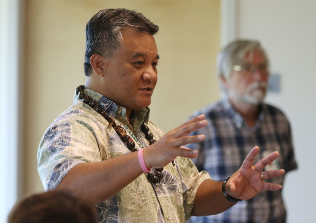Ozark Islanders Marshallese in North-West Arkansas. Dr. Sheldon Riklon speaks during First Friday -- Lunch and Learn, department of Native Hawaiian Health, John A. Burns School of Medicine, University of Hawaii at Manoa. 6 march 2015. photograph Cory Lum/Civil Beat