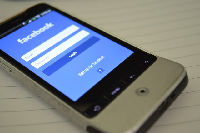 629-facebook-on-android-phone