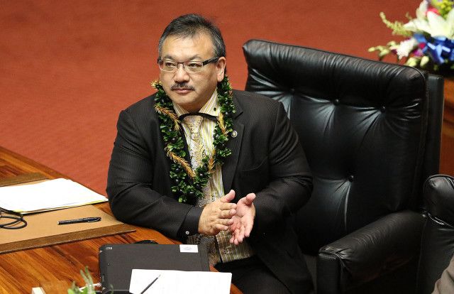 Rep. John Mizuno applauds on opening day of the 2016 Hawaii Legislature. He's introduced an omnibus bill to reform the adult care home industry.