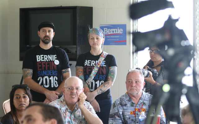 Right, US Air Force veteran Samantha Robinson with Bernie Sanders shirts on at talk by Jane Sanders and some veterans at Tommy Kakesako building.