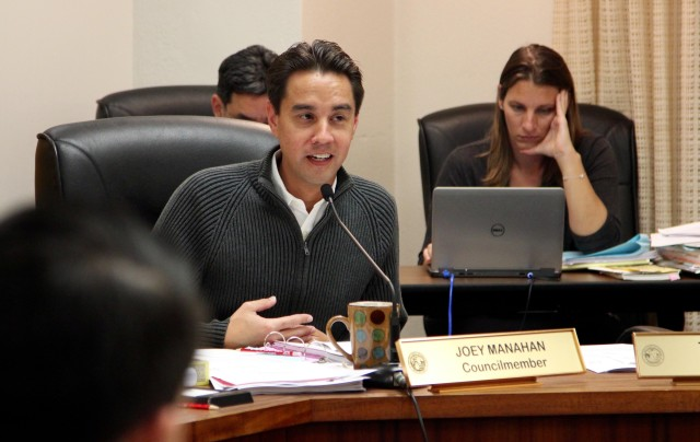 Honolulu City Councilman Joey Manahan speaks during a hearing on a bill to regulate transportation network companies like Uber and Lyft, Wednesday.