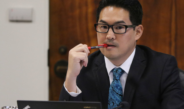 House Finance Chair Scott NIshimoto during meetings held at the Capitol, Room 305. 5 april 2016.