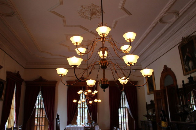 Electric lights in the state dining room at Iolani Palace impressed visitors and locals alike. The royal family entertained many foreign dignitaries in the ahead-of-its time palace.