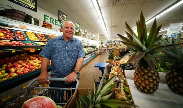 Senator Russel Ruderman Island Naturals HIlo Hawaii1. 15 july 2016