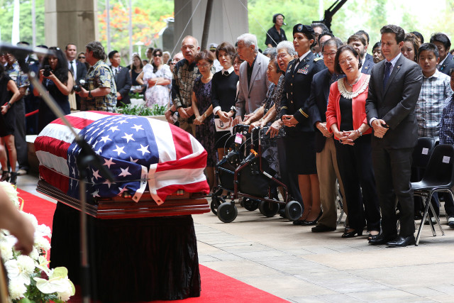 Congressman Mark Takai memorial services with Governors Ariyoshi, Waihee, Abercrombie and Hawaii congressional delegation fronting casket at the Hawaii State Capitol Rotunda. 18 aug 2016