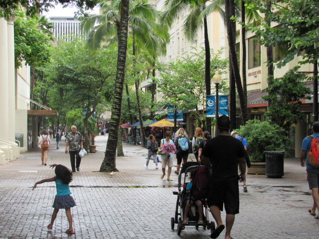 A mix of residents and commuters can be seeing walking along Fort Street mall during the afternoon.