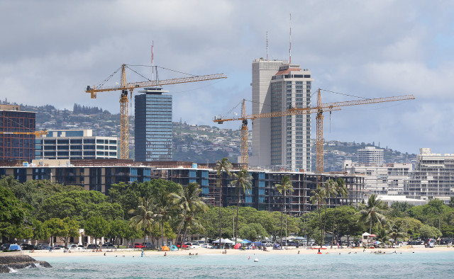 Kakaako Ala Moana Center construction skyline cranes. 26 sept 2016