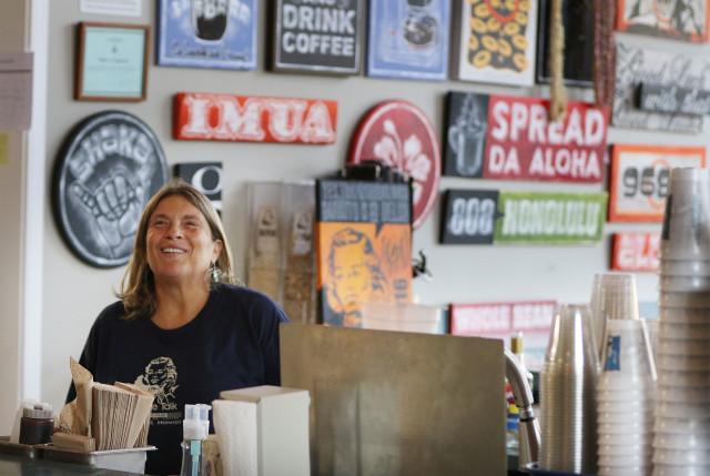 Coffee Talk owner Liz Schwartz. 3 oct 2016